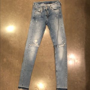 H&M super skinny ripped low waist jeans